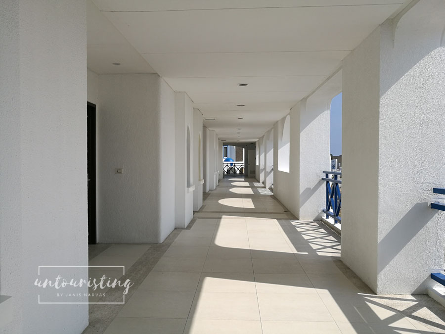 Thunderbird hallway
